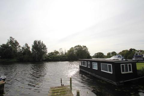 2 bedroom houseboat for sale - Bells Marina, Brundall
