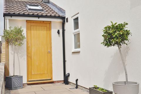 3 bedroom semi-detached house for sale - Cheviot Close, Huntington, York