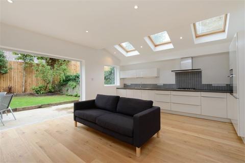 3 bedroom flat to rent - Loveridge Road, West Hampstead, NW6