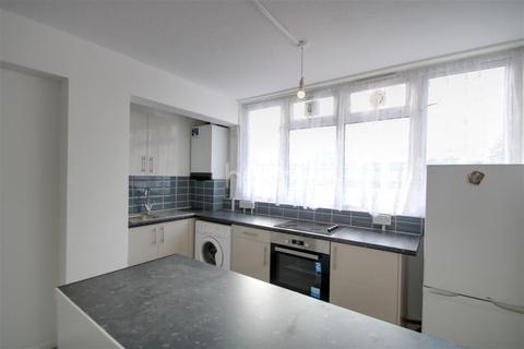 2 bedroom flat to rent - Copeland House, SW17