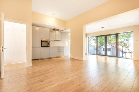 4 bedroom house to rent - Bramshot Avenue Charlton SE7