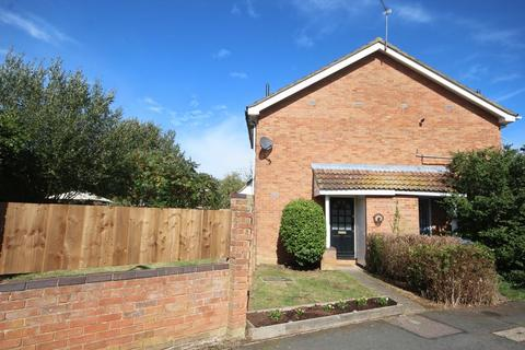 1 bedroom cluster house to rent - Downer Close, Buckingham