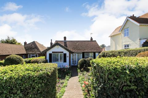 2 bedroom detached bungalow for sale - Tankerton Road, Whitstable