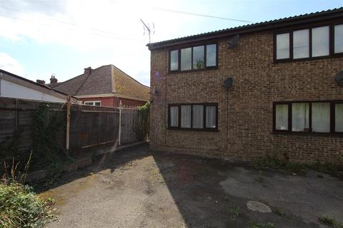 1 bedroom flat to rent - Halfway Road, Minster On Sea, Sheerness