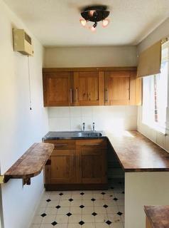 Studio to rent - Wyatt Road, Crayford, Dartford