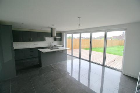 4 bedroom detached house for sale - London Road, Hailsham, East Sussex, BN27