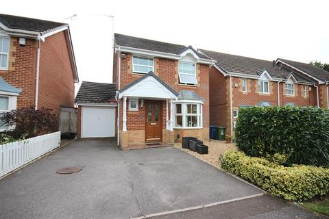 3 bedroom detached house for sale - Edwina Drive, Poole