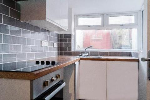 House share to rent - Woodend Street, Oldham OL1