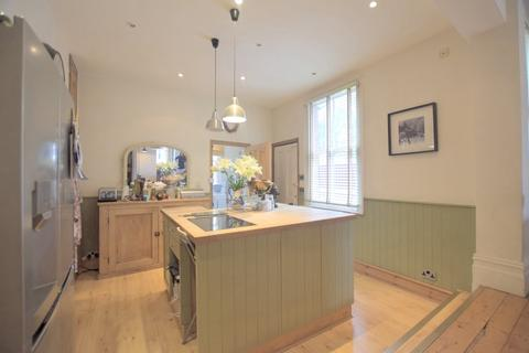 4 bedroom semi-detached house to rent - Northen Grove, Manchester
