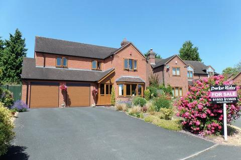 4 bedroom detached house for sale - Manor Close, Hinstock