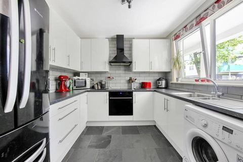 4 bedroom maisonette to rent - Joseph Street, Mile End