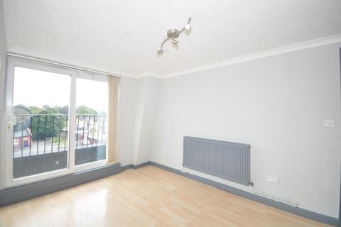 2 bedroom apartment to rent - New Road Portsmouth PO2