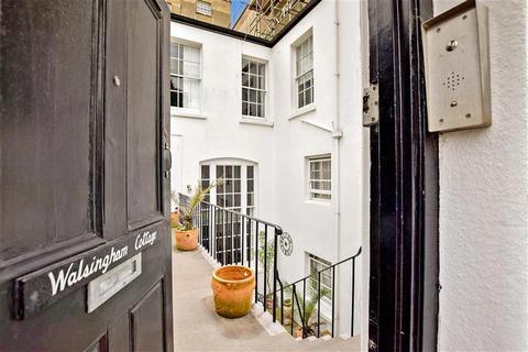 2 bedroom maisonette for sale - Sussex Square, Brighton, East Sussex
