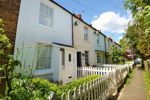 2 bedroom cottage to rent - Thames Ditton