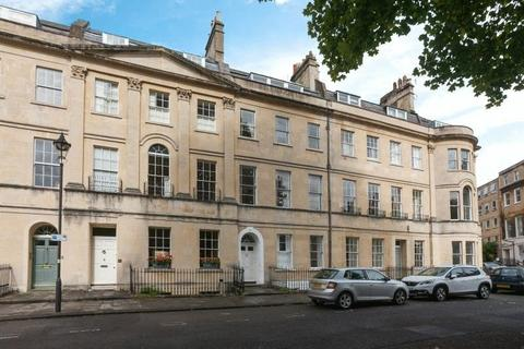 2 bedroom apartment to rent - St James's Square, Bath