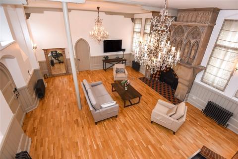 3 bedroom maisonette for sale - Convent Court, Hatch Lane, Windsor, Berkshire, SL4