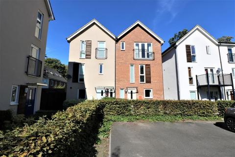 4 bedroom townhouse for sale - Vulcan Drive, Bracknell, RG12