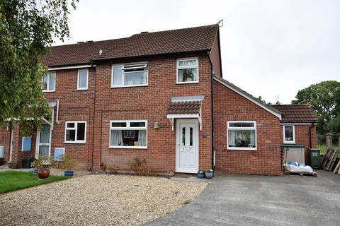 3 bedroom semi-detached house for sale - Popular Clevedon cul de sac