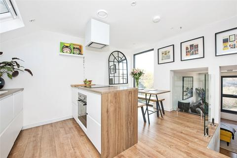 3 bedroom apartment for sale - Borland Road, Nunhead, London, SE15
