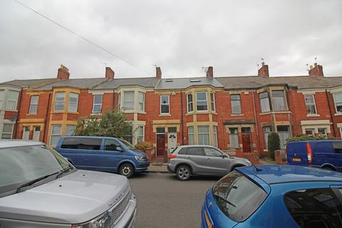 4 bedroom flat to rent - Warton Terrace, Newcastle Upon Tyne
