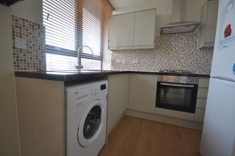 1 bedroom apartment to rent - High Road, London