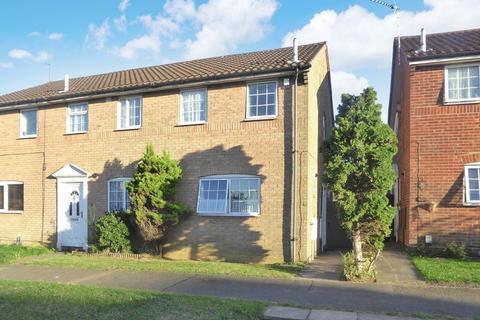 2 bedroom semi-detached house for sale - Kestrel Way, Luton