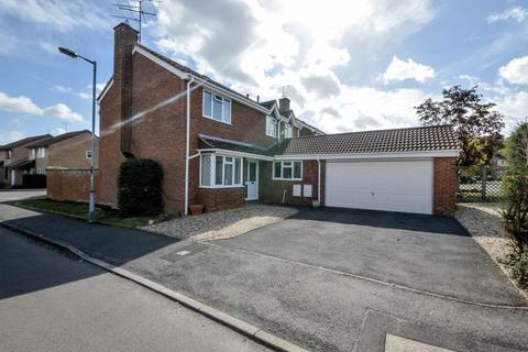 4 bedroom detached house for sale - Grange Park, West Swindon