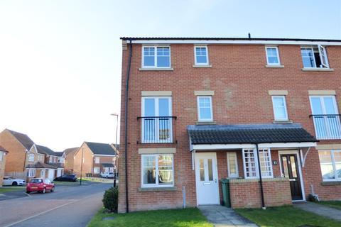5 bedroom townhouse for sale - Ellesmere Close, Houghton Le Spring