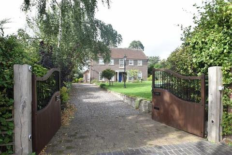 4 bedroom detached house for sale - Falkland Road, Dorrington, Shrewsbury