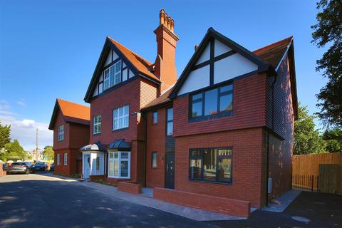 4 bedroom townhouse for sale - Stanwell Road, Penarth