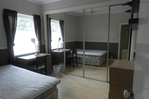 3 bedroom house to rent - Edgecumbe Street - Newland Ave
