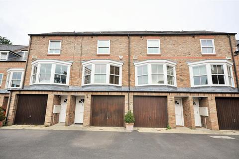 3 bedroom townhouse for sale - Dewsbury Court, Bishophill, York YO1 6LH