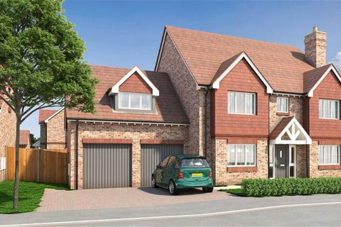 5 bedroom detached house for sale - Plot 1 Berrywood Close, Rochester, Kent