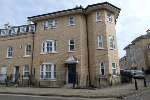 3 bedroom flat to rent - St Matthews Gardens, Cambridge