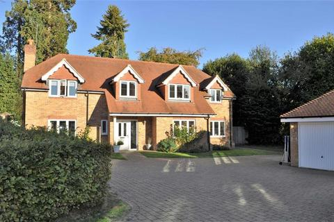 5 bedroom detached house for sale - Victoria Way, Liphook, Hampshire