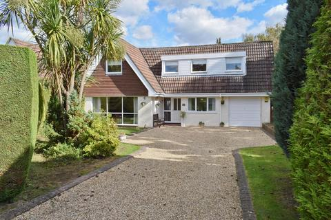 3 bedroom detached house for sale - Moorlands Close, Brockenhurst, SO42