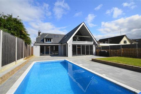 5 bedroom detached house for sale - Woodside, Leigh-on-sea, Essex