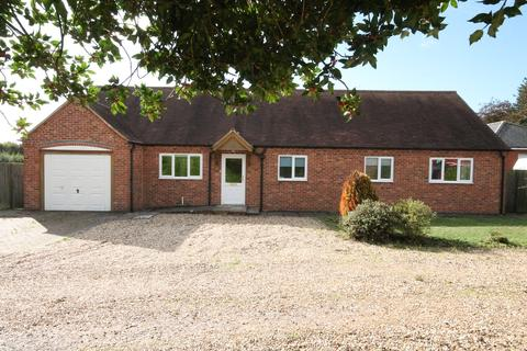 2 bedroom detached bungalow for sale - Oxford Road, Chieveley, RG20