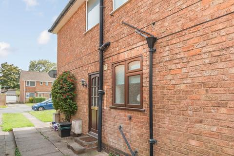 2 bedroom ground floor maisonette for sale - Clinton Road, Shirley, West Midlands
