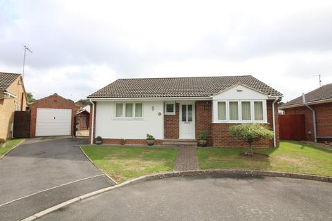 2 bedroom detached bungalow for sale - Frenchs Farm Road, Upton