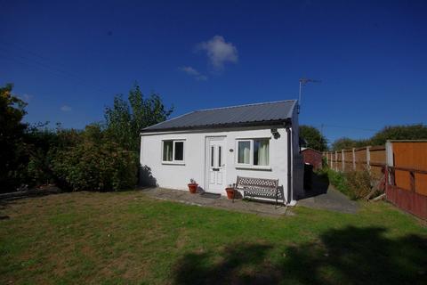 1 bedroom detached bungalow for sale - Dee Road, Talacre