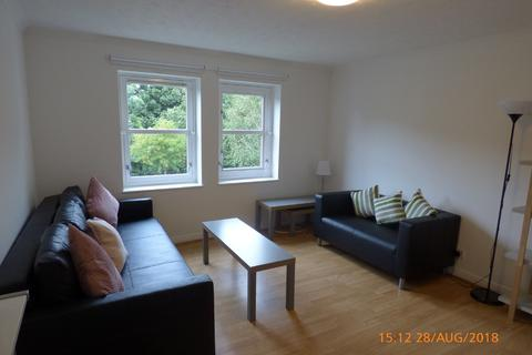 3 bedroom flat to rent - Flat 6, 50 Craighouse Gardens