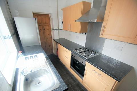 3 bedroom terraced house to rent - Alfred Road, Coventry, CV1 5BN