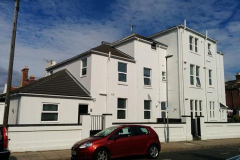 2 bedroom apartment to rent - Corner Apartments, St Andrews Road, PO5 1EP