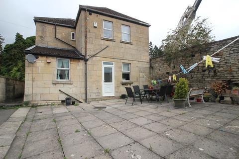 2 bedroom ground floor flat to rent - Comfortable Place, Bath