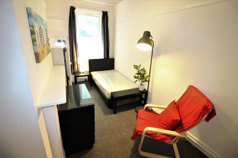 1 bedroom house share to rent - Crescent Road, Bournemouth Centre