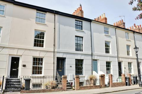 3 bedroom terraced house for sale - St James Road, Southsea