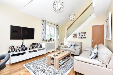 3 bedroom semi-detached house for sale - Lytton Avenue, Palmers Green, London, N13