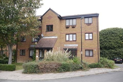 1 bedroom ground floor flat to rent - John Silkin Lane, Deptford, London. SE8