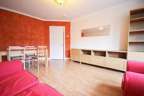 2 bedroom flat to rent - Millar Crescent, Edinburgh EH10